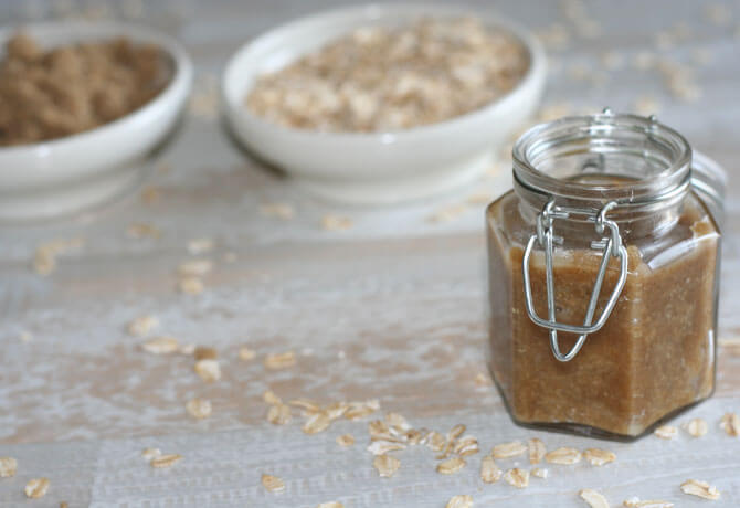 5 HOMEMADE FACE SCRUB RECIPES WITH OATMEAL
